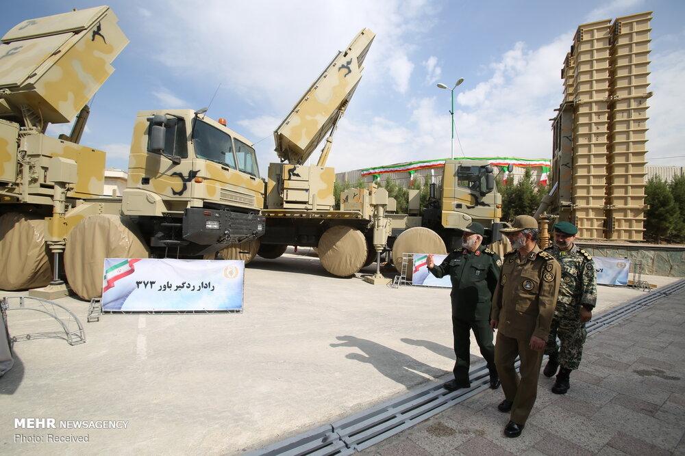 Mehr News Agency - Army cmdr  visits 'Bavar-373' missile system