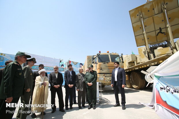 Ayatollah Jannati visits Bavar-373 air defense system