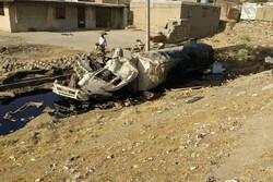 کشته شدن راننده بر اثر واژگونی تریلر نفتکش در جاده پلدختر