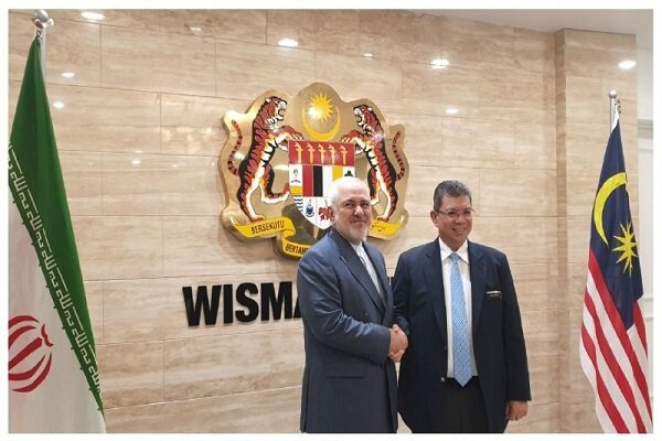 FM Zarif meets with Malaysian counterpart in Kuala Lumpur