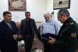 دیدار معاون وزیر دفاع با خانواده شهدای مدافع حرم پاکدشت