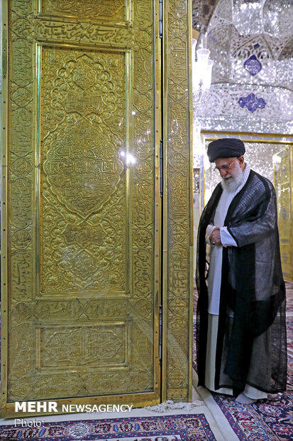 Ayatollah Khamenei attends 'dust clearing' ceremony