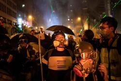 معترضان در هنگ کنگ به خشونت متوسل شدند