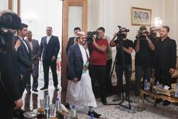 استقبال حار لسفير اليمن الجديد من قبل وزير الخارجية الإيرانية/ صور