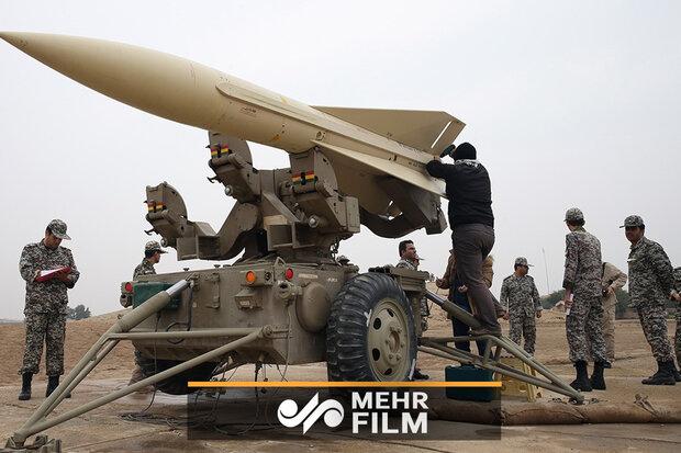 رهبر انقلاب: امروز پدافند هوایی خط مقدم دفاع از حیثیت کشور است