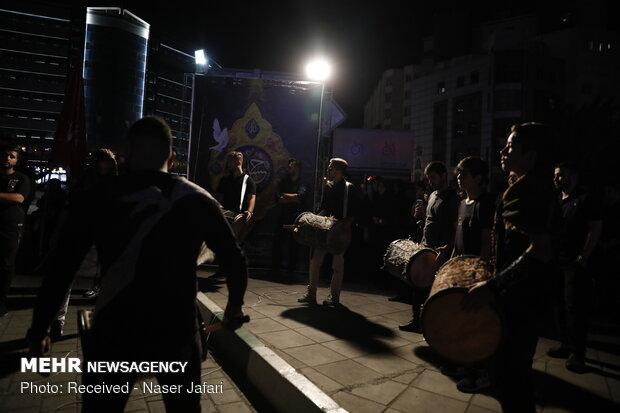 """توزيع النذورات في ساحة """"اندرزكو"""""""