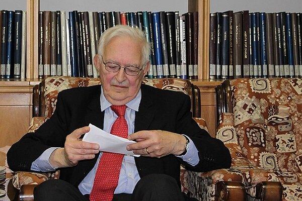 «امانوئل والرشتاین» نظریه پرداز معروف روابط بینالملل درگذشت