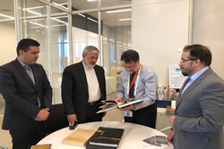 رئیس کتابخانه ملی یونان از توسعه روابط با ایران استقبال کرد