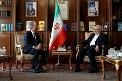FM Zarif meets with UN envoy for Syria, urges for more UN-Damascus cooperation
