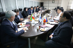 Philippines Ambassador to Tehran Wilfredo Santos (1st R) met ICCIMA Deputy Head for International Affairs Mohammad-Reza Karbasi (1st L) in Tehran