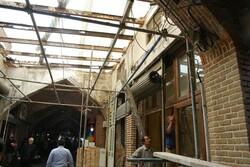 مرمت و بازسازی طاقهای ورودی راسته آینه سازان بازار تاریخی تبریز