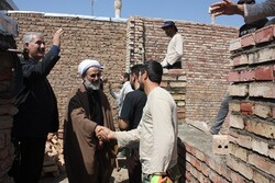 بازدید مسئولان شهرستان مرند از روند احداث واحدهای مسکونی مددجویی