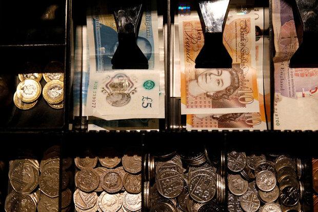 نرخ رسمی پوند افزایش یافت/ یورو با کاهش قیمت مواجه شد