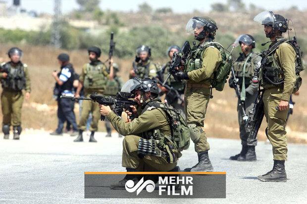 VIDEO: Israelis shoot Palestinian woman at Qalandiya checkpoint