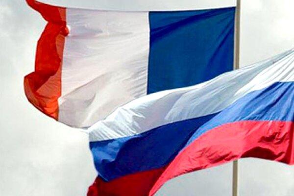 گفتگوی تلفنی وزرای دفاع فرانسه و روسیه پیش از نشست ۱۸ شهریور