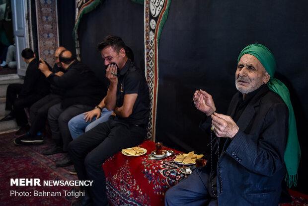 عزاداری ایام محرم در حسینیه سادات اخوی