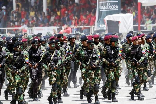 کلمبیا: رزمایش نظامی ونزوئلا در منطقه مرزی یک «تهدید» است!