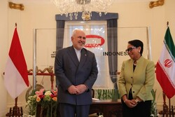 FM Zarif meets with Indonesian counterpart for bilateral talks