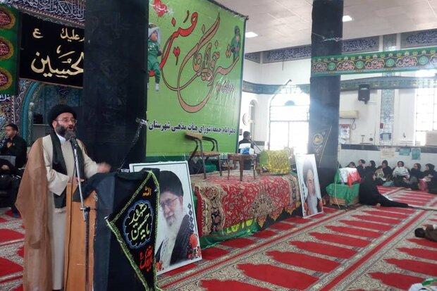 شهادت طفل  امام حسین (ع) در کربلا سند مظلومیت قیام عاشورا است