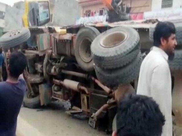 ظفر وال میں ٹریفک حادثے میں 7 بچوں سمیت 8 افراد ہلاک