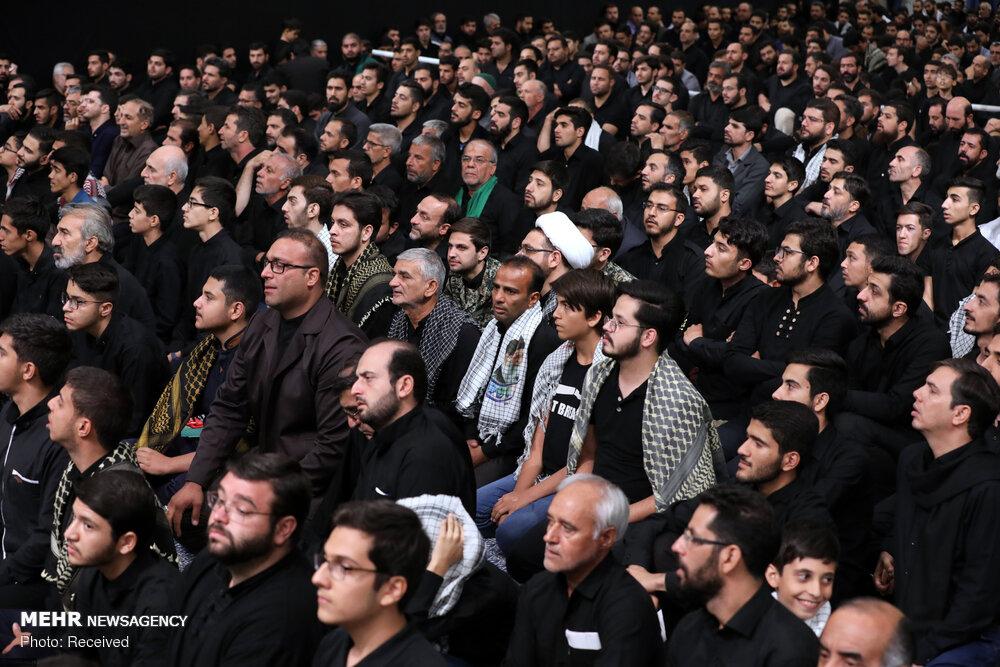 اولین شب مراسم عزاداری اباعبدالله الحسین(ع) در حسینیه امام(ره)
