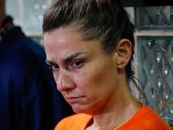 نوزائیدہ بچی کو تھیلے میں چھپا کر امریکہ لے جانے والی خاتون گرفتار