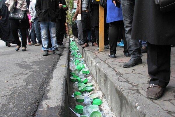 شهر زیر باران ظروف پلاستیکی/نذرهایی برای مراقبت از محیط زیست