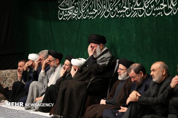 الليلة الاولى من مراسم العزاء الحسيني بحضور قائد الثورة الاسلامية