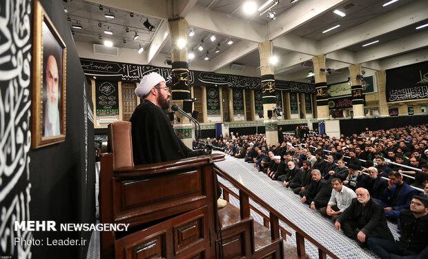 دومین شب مراسم عزاداری اباعبدالله الحسین(ع) در حسینیه امام(ره)