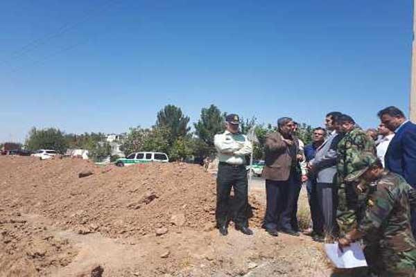 عملیات عمرانی ارتش در اراضی ملی «قجرتخت رستم»شهریار متوقف شد