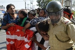 Indian police attack Shia Muslim gatherings in Kashmir
