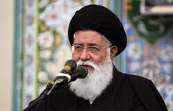 دشمن از اجتماع عظیم اربعین واهمه دارد/ به دنبال ایجاد اختلاف بین ایران و عراق هستند