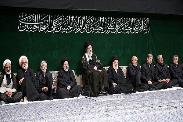 مراسم عزاداری شب عاشورای حسینی با حضور رهبر انقلاب برگزار شد