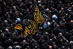 حرکت دسته عزاداری مردم قزوین شب قبل از اربعین