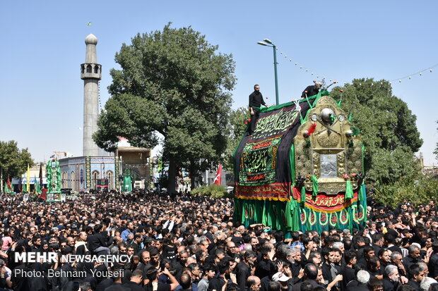 Ashura mourning ceremony in Khomein