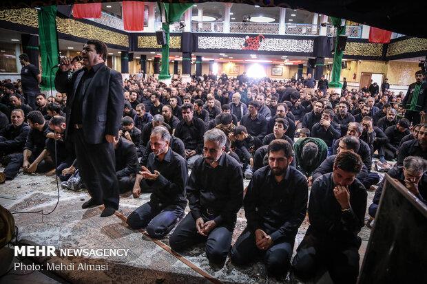 اقامه نماز ظهر عاشورا در زنجان