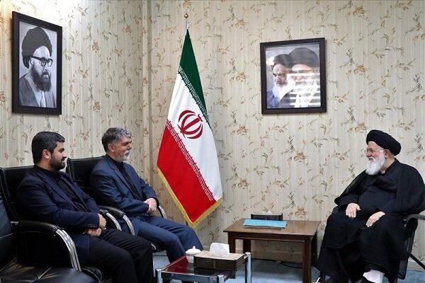 دیدار وزیر فرهنگ و ارشاد اسلامی با آیتالله علمالهدی