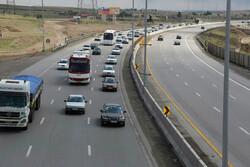وضعیت ترافیک در جادههای استان قم عادی و روان است