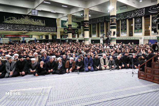 آخرین شب مراسم عزاداری امام حسین علیهالسلام در حسینیه امام خمینی(ره)