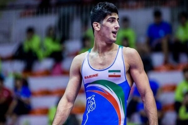 İranlı milli güreşçi ilk maçında Türk rakibini yendi