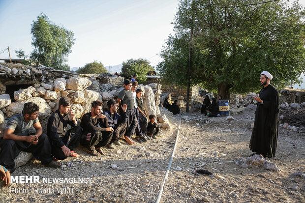 اسقبال مردم روستا از جلسات روزانه ویژه محرم در روستای لَلَر
