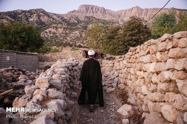 سرکشی مبلغ دینی ماه محرم درکوچه پس کوچه های روستا