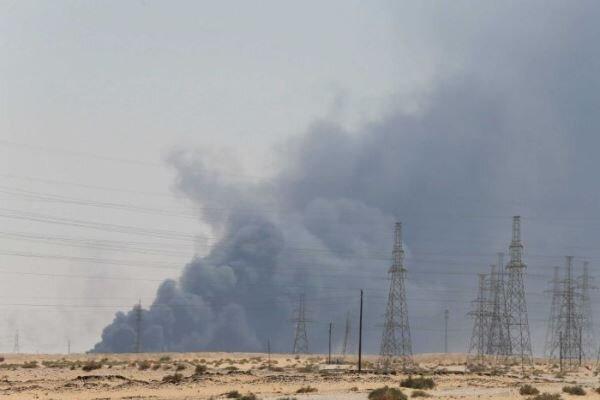 Suudi Arabistan'da patlamalar sonucu petrol üretimi yüzde 50 azaldı