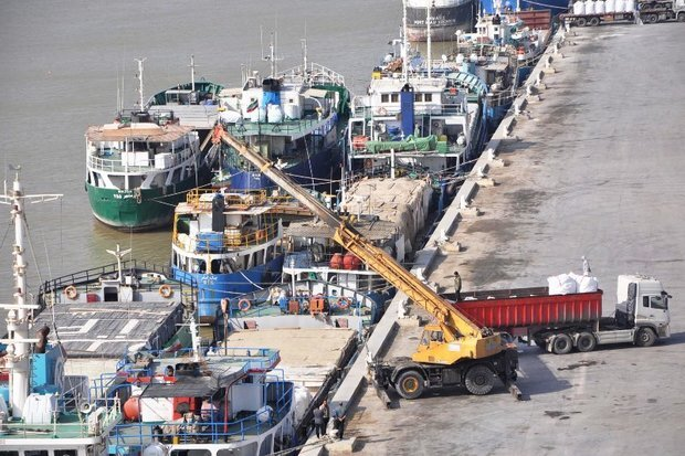 Loading, unloading cargo in Khorramshahr port up by 38% in five months