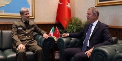 Iranian defense minister holds meeting with Turkish counterpart
