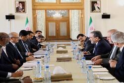 معاون وزیر امور خارجه هند با عراقچی دیدار و گفتگو کرد