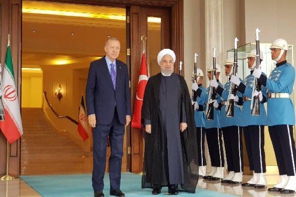 أردوغان: تركيا وايران حكومة وشعبا تقفان الى جانب بعضهما البعض في الايام العصيبة