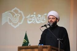 حجت الاسلام قمی: به خاطر آرمانها از خط خوردن نام شهید نمی گذریم