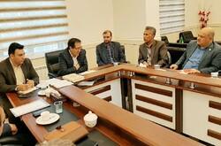 معاون وزیر کشور وضعیت اقتصادی لارستان را بررسی می کند