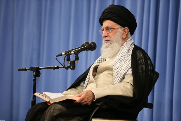 Leader receives IRGC chiefs
